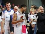 Najbardziej Wartościowy Zawodnik (MVP) Turnieju Finałowego Pucharu Polski - Dąbrowa Górnicza Basket Cup otrzymał statuetkę wykonaną przez naszą pracownię.